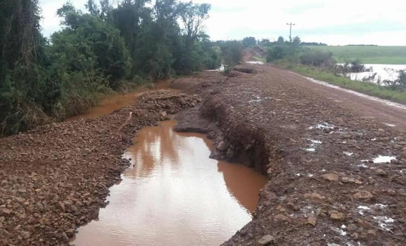 """""""Não vamos delimitar quanto de asfalto será feito em Garruchos"""", afirma Costella"""