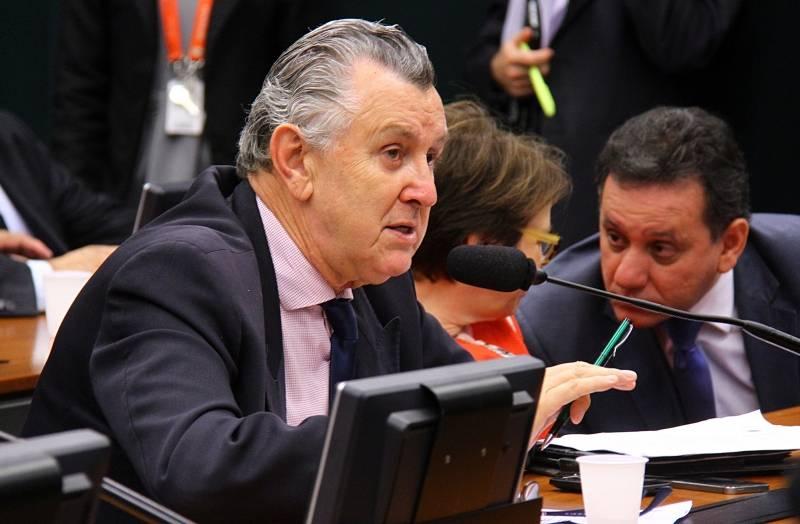 Heinze anuncia liberação do Frigorífico Estrela para exportar carne para a China