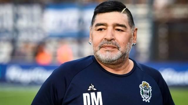 Morre Diego Armando Maradona