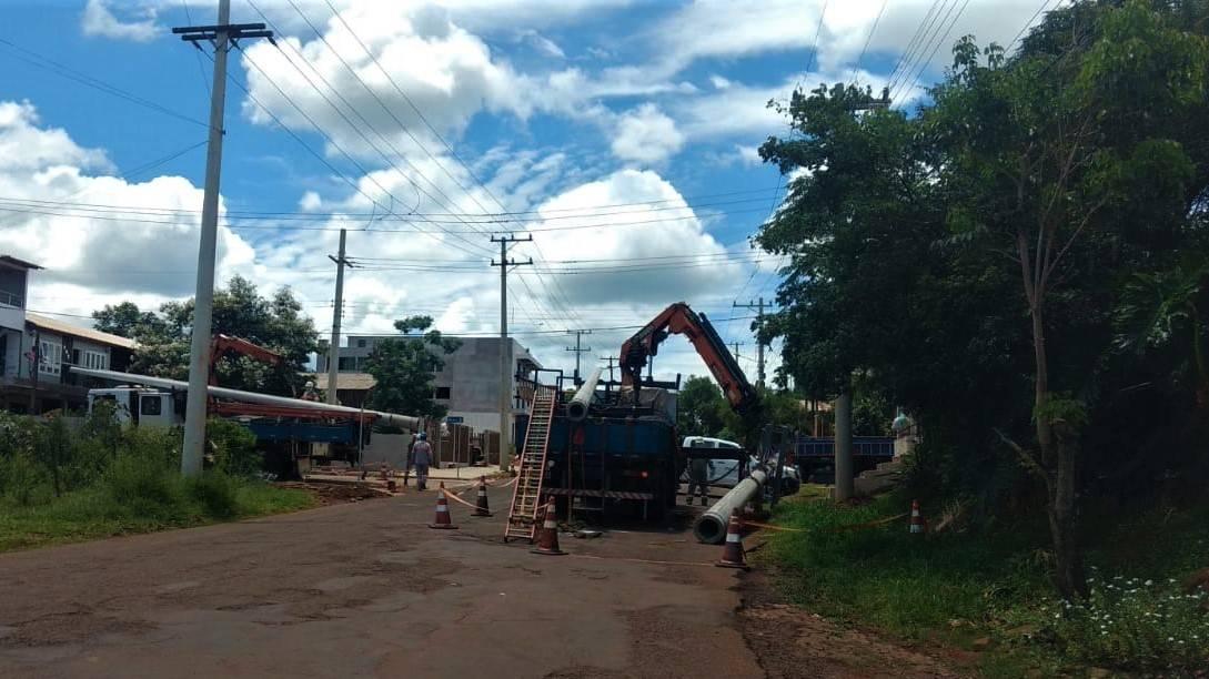 Operação de troca de postes ocasiona desligamento da rede em alguns bairros