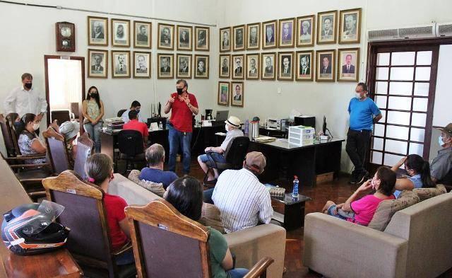 Prefeitura entrega os primeiros títulos de regularização fundiária do Bairro Trinta