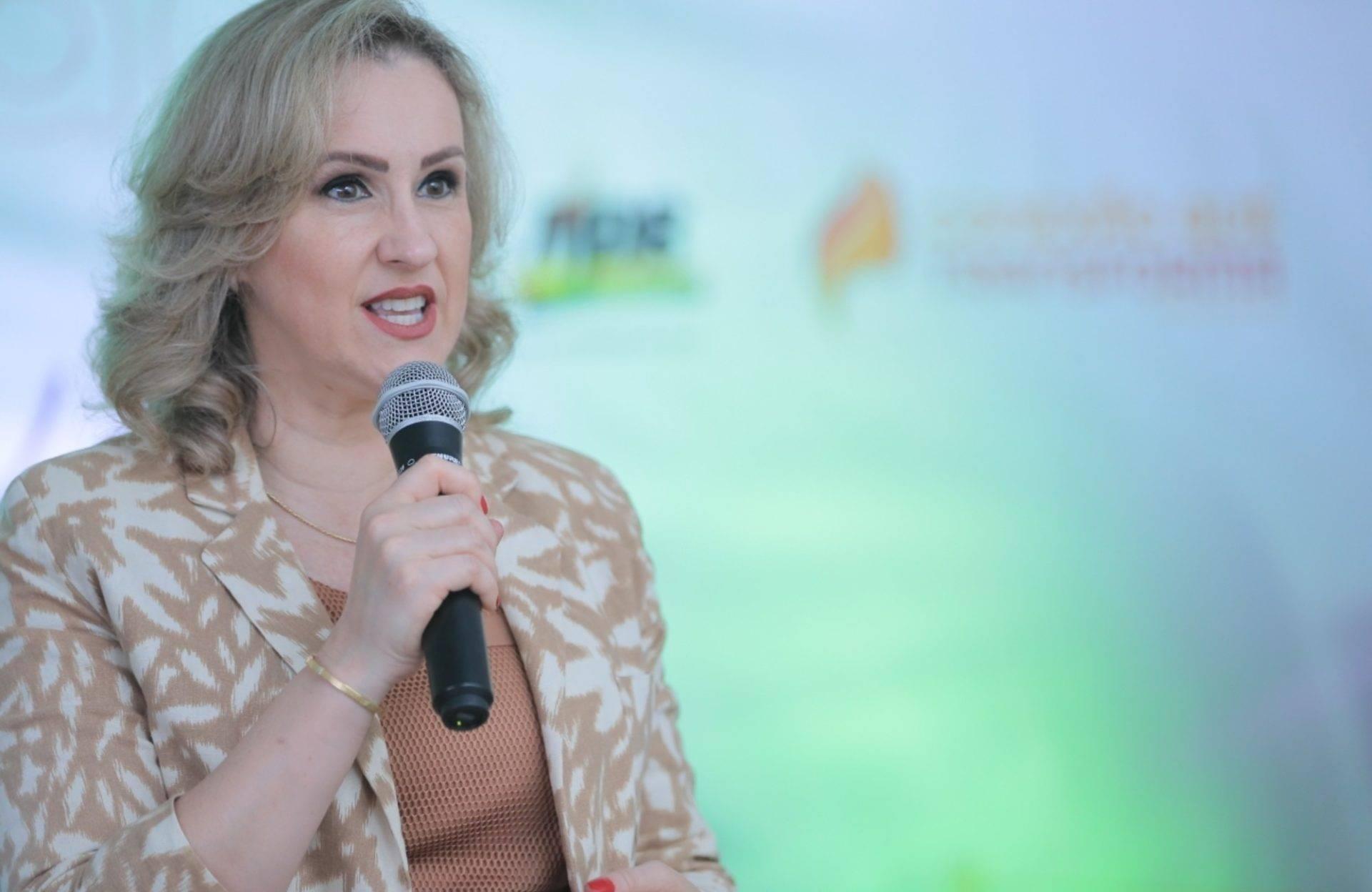 Deputada Patrícia Alba comenta a aprovação da nova legislação para uso de agrotóxicos no Estado