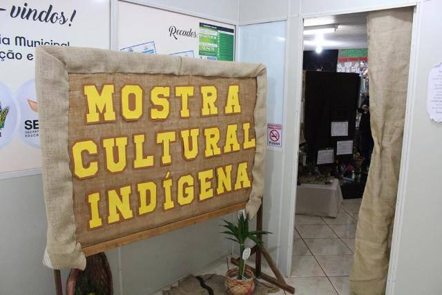 Mostra da Cultura Indígena reúne trabalhos de alunos da Rede Municipal e Apae
