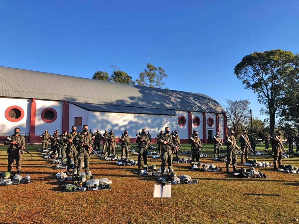 Soldados do 4° RCB participam do Curso de Formação de Cabos