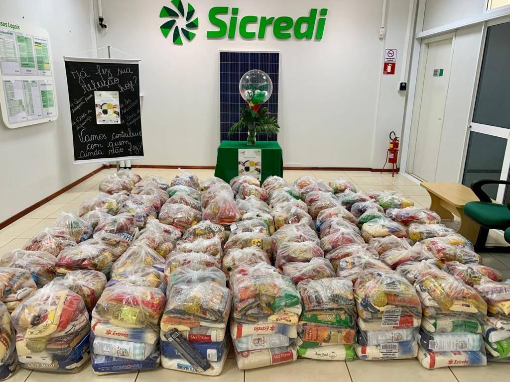 Cooperativas da região doam mais de 62 toneladas de alimentos