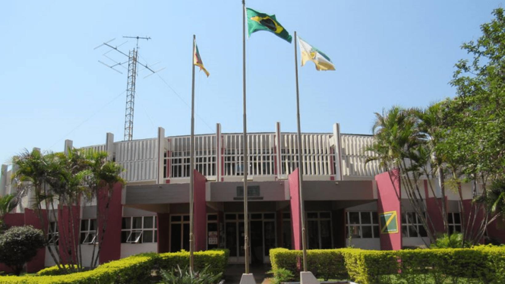 Prefeitura de Bossoroca abre licitação para compra de retroescavadeira e patrola