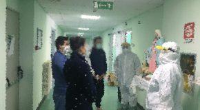 I pazienti del reparto Covid di Polla in preghiera insieme agli operatori sanitari