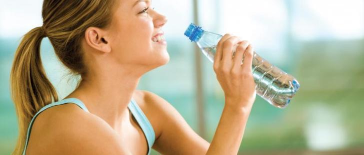 水太り,したくない,夏,必須,6つの水分補給,方法
