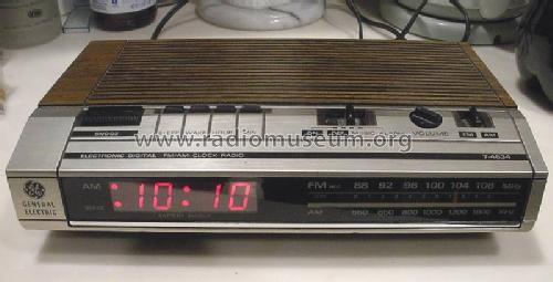 Electronic Digital Fm Am Clock Radio