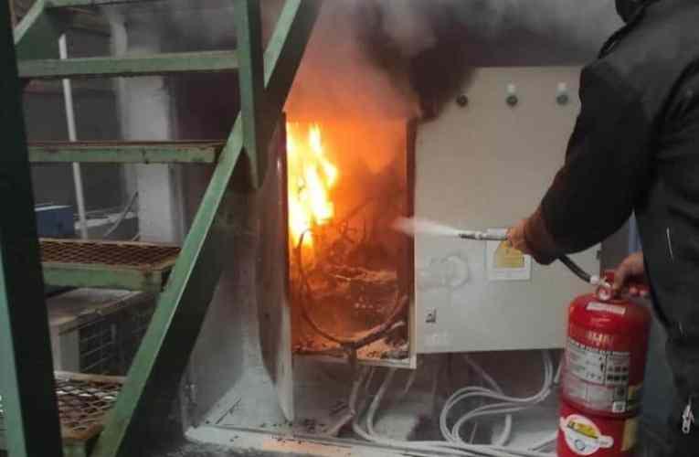En plena tormenta, principio de incendio en el colegio Janssen