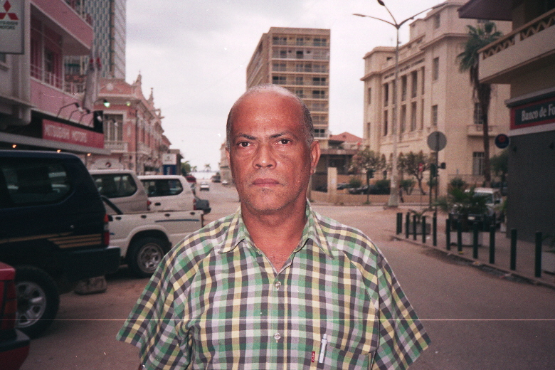 Antônio Ole, Angolan artist and documentary-maker