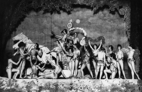 Berlin in 1926, the Haller Revue Ensemble at the Admiralspalast Theater, Foto BPK from Berliner Zeitung