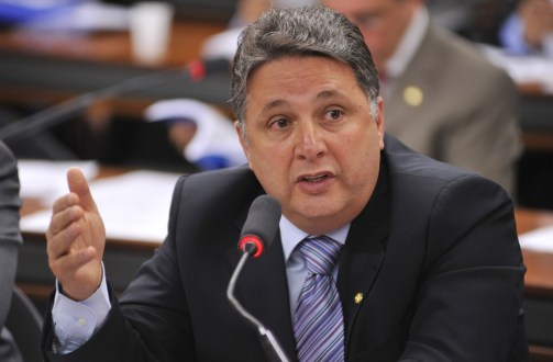 Anthony e Rosinha Garotinho são presos no RJ