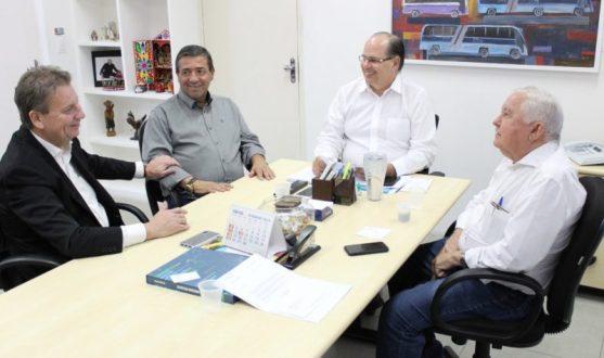Zeinha discute disciplinamento do trânsito em Iguaracy