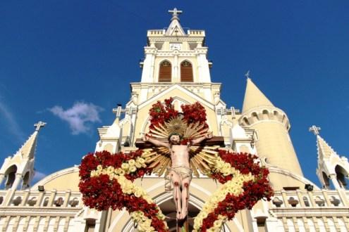 Cada um de nós se torne instrumento da paz que o Senhor trás, disse dom Egidio no encerramento da festa do padroeiro de Afogados