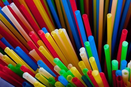 Câmara de São José dos Campos proíbe canudos plásticos no comércio da cidade