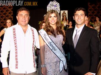Hasta Huatabampo se va el reinado de Aesmac 2013 con la señorial Lorena Coronado. Foto: Leonel Araujo