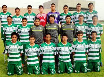 Sufre accidente el equipo Santos Sub-17; muere el médico del equipo