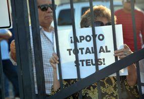 Unison ofrece pago de 50% de salarios caídos; Steus rechaza