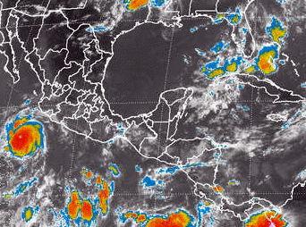 Huracán Cristina alcanza categoría 4