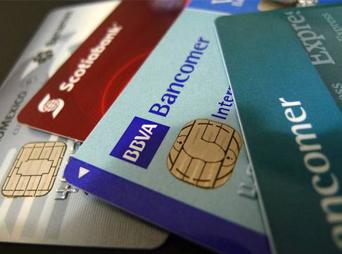 De acuerdo al Buró de Entidades Financieras la de menor desempeño fue la tarjeta Clásica de Santander, la cual obtuvo una nota de 3.61.