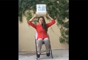 La joven señaló que las personas afectadas por el derrame en el río Sonora, se enfrentan a precios muy elevados para comprar agua, por lo que comentó que es más el dinero que se tira con el 'Ice Bucket Challenge' que lo que en realidad se dona.