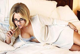 Filtran más fotos de Kaley Cuoco desnuda y de Emily Ratajkowski