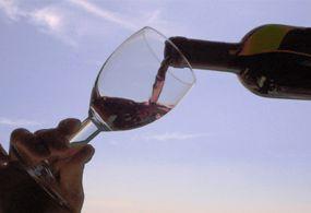 El Festival del Vino en Sonora se realizará del 5 al 7 de diciembre en San Carlos, Nuevo Guaymas. Participarán 15 casas vinícolas de Ensenada y España, además de restauranteros sonorenses.