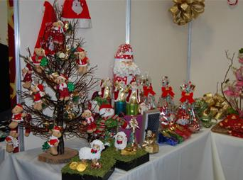 En el tradicional bazar navideño de DIF Sonora podrás encontrar: árboles, adornos navideños, ropa y calzado para toda la familia, despensas, cobijas, entre otros.
