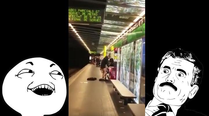Sexo en el metro de barcelona - 1 5
