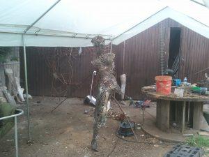 Une oeuvre en cours de réalisation à la maison forestière