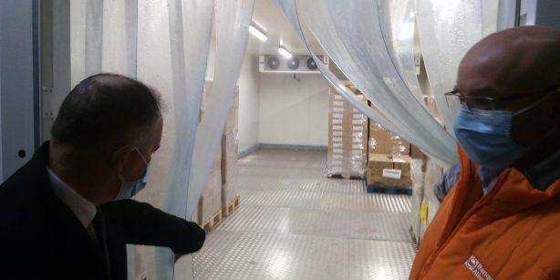 des salles réfrigérées quasiment vides, comme le constate le préfet. (Ph. JP PLANQUE / RADIO PLUS)