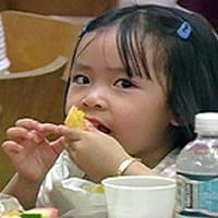 Young Katrina refugee.  Source: huongduong.org