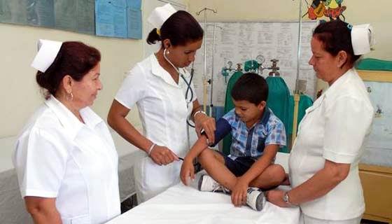 Experto norteamericano exalta avances de la salud pública en Cuba