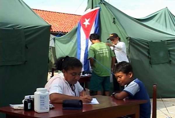 Profesionales cubanos de medicina general integral prestarán sus servicios solidarios en Brasil. Foto Yordanis Rodríguez