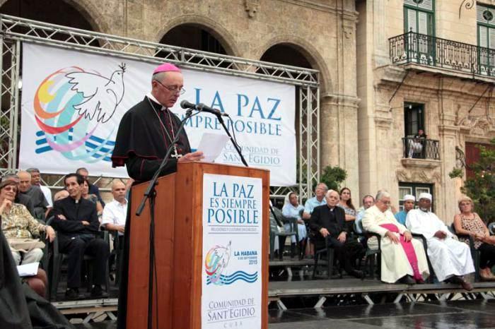 Monseñor Giorgio Lingua, Nuncio Apostólico en Cuba, lee el mensaje del Papa. Foto: Yaimí Ravelo