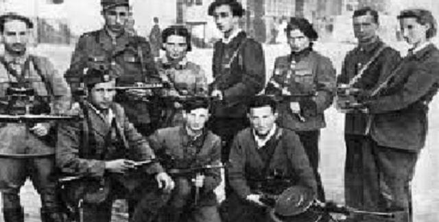 Henos aquí: judíos combatiendo al nazismo