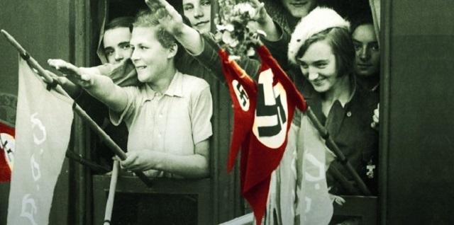 """""""Las arpías de Hitler"""" de Wendy Lower, con Concha Díaz Berzosa y Graciela Kohan"""