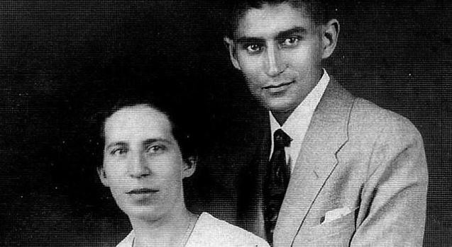 """""""Los amores de Franz Kafka"""" de Nahum N. Glatzer, con su editora Laura Claravall"""