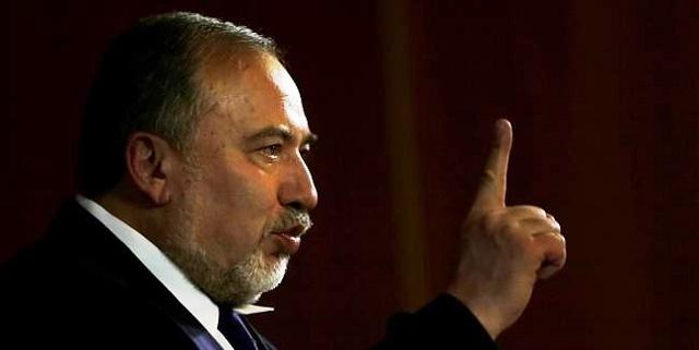 Lieberman, encendiendo hogueras