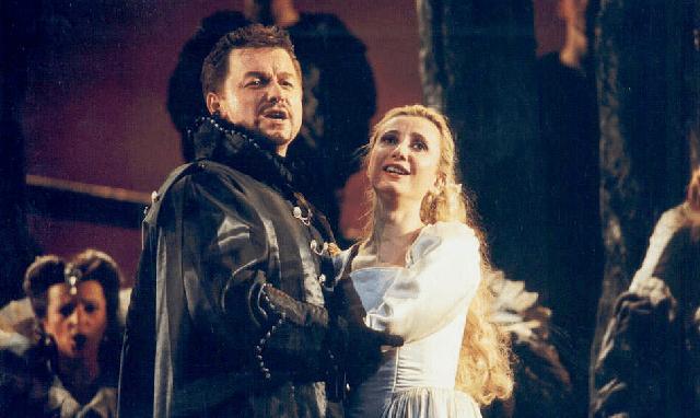 """""""Los puritanos (de Escocia)"""" de Bellini, con Stefania Bonfadelli"""