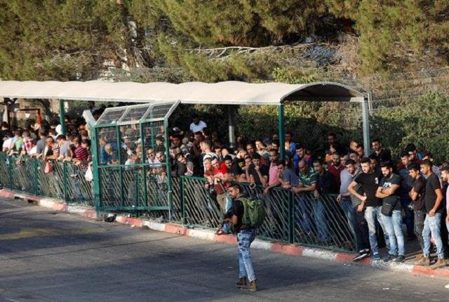 Los trabajadores palestinos que protestan en Israel