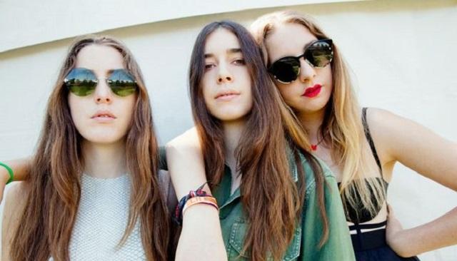 Pinjas, y las hermanas Haim