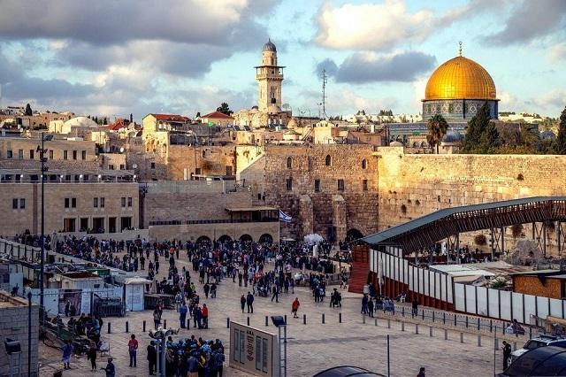 La inexplicable petición palestina sobre la Plaza del Muro de los Lamentos