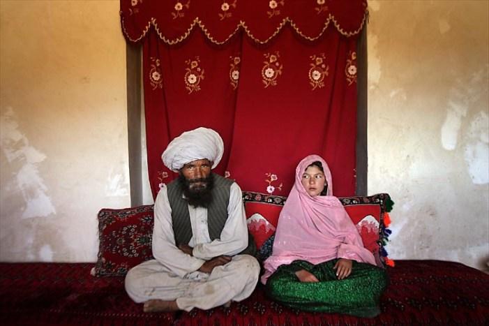 Egitto: Blitz Frat. musulmani e salafiti, Sharia fonte diritto. Adulto potrà sposare bambina di 6 anni?