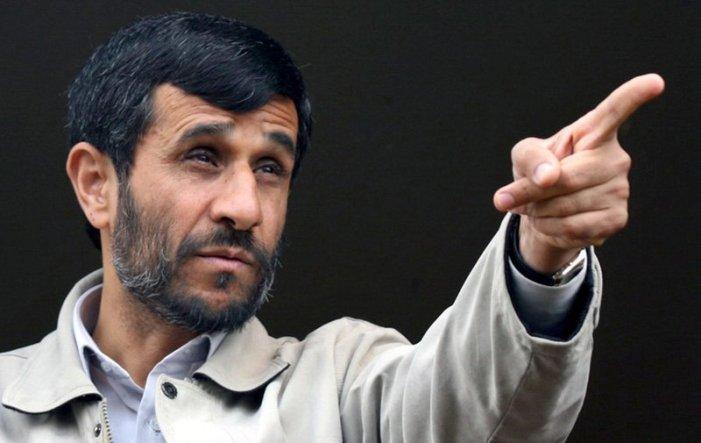 Ahmadinejad: 'Gesù salvezza per umanità'/ribelli siriani: felici del massacro di 100 cristiani