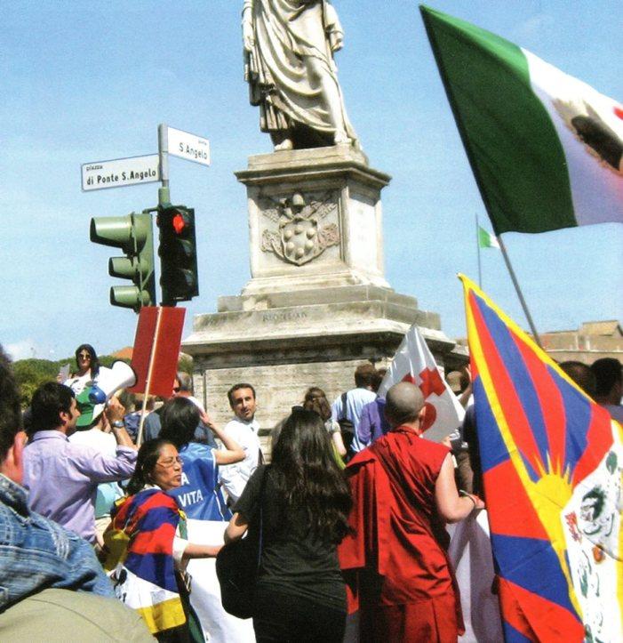 L'ecumenica Marcia per la Vita si inchina a Bergoglio
