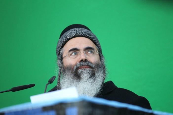 """Famoso rabbino israeliano deride Bergoglio: rischio """"idolatria"""", incontrarlo è """"peccaminoso"""""""