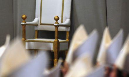Un trono vuoto? Risposta a LP sul caso Bergoglio