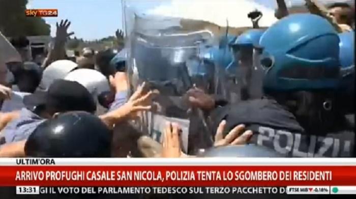 Mistica destrorsa delle Forze dell'Ordine e tirannia dello Stato Italiano